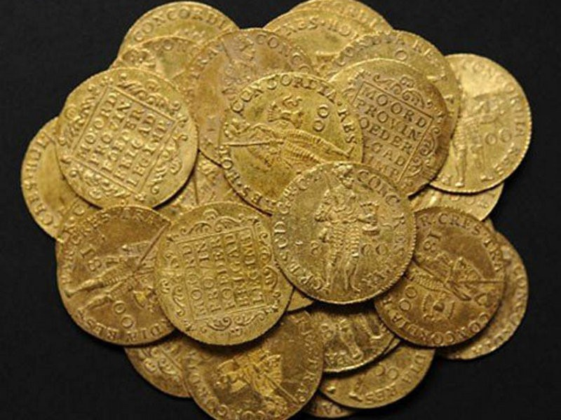 Золотые дукаты