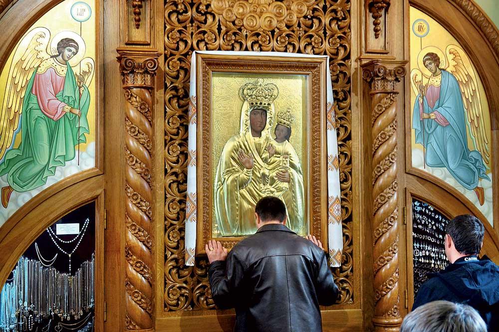 Чудотворная икона Божьей Матери в Зарванице